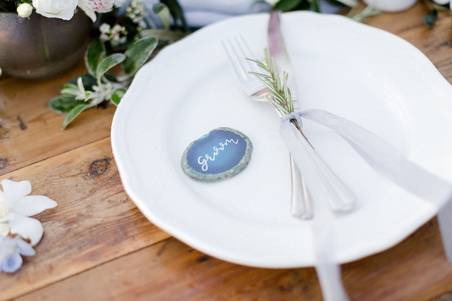 dreamy-coastal-elopement-destination-wedding-agate-slice