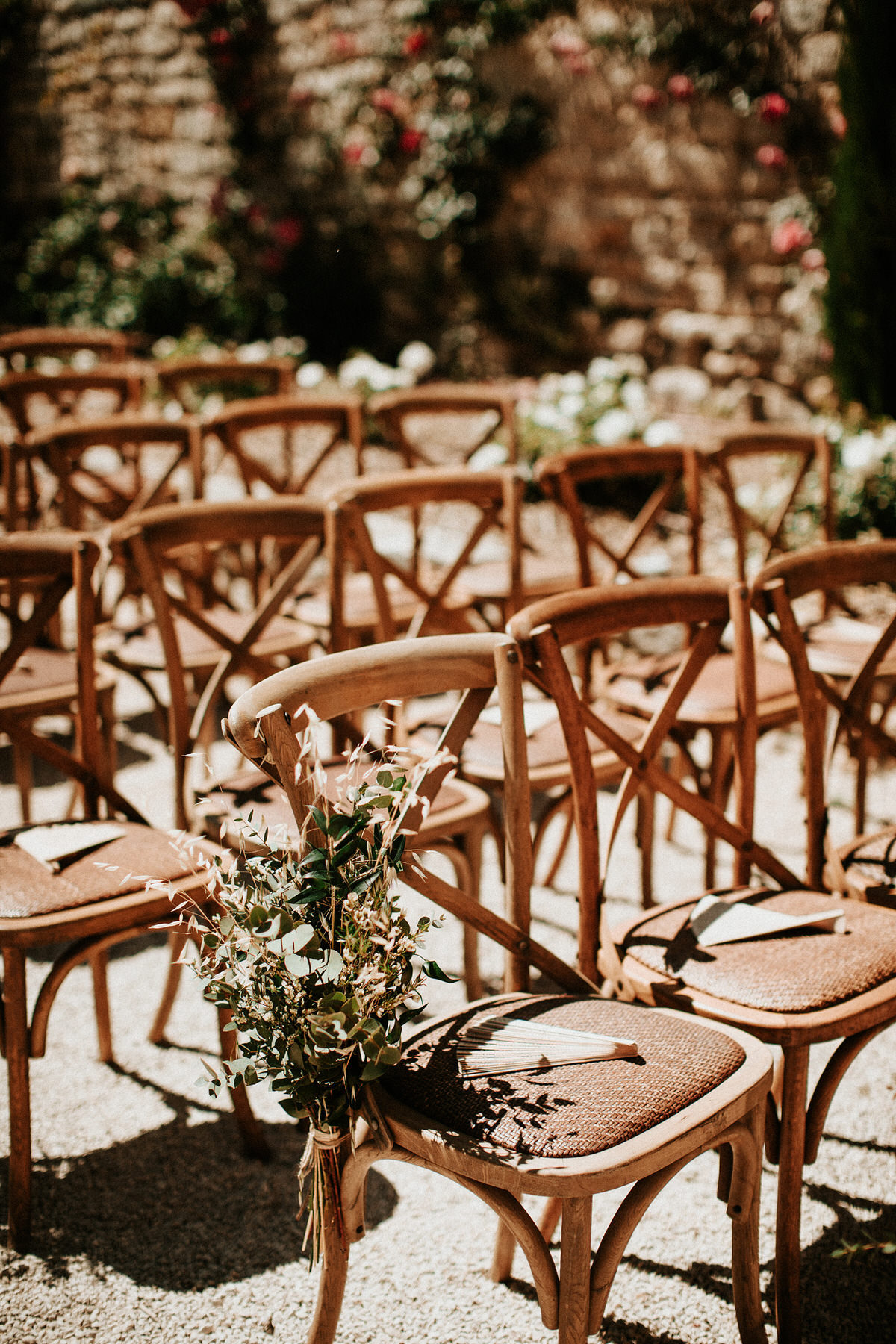outdoor-ceremony-chairs-wedding-in-provence